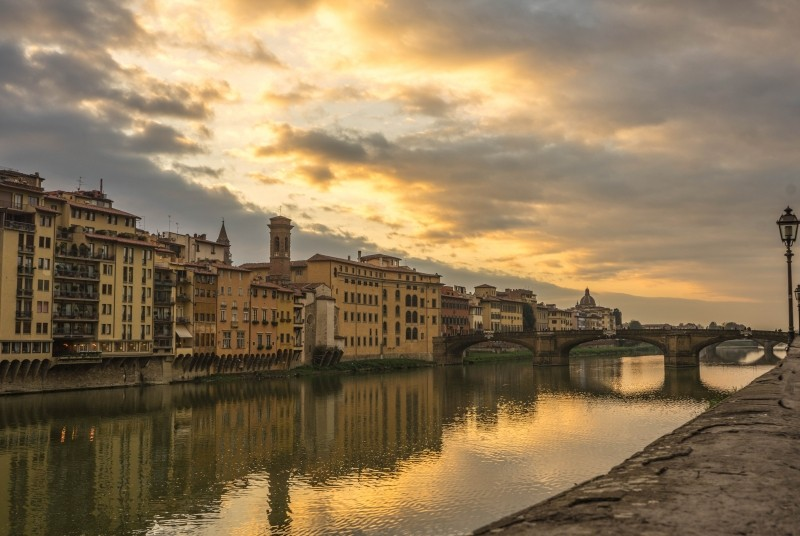 Sunset on the Arno river.