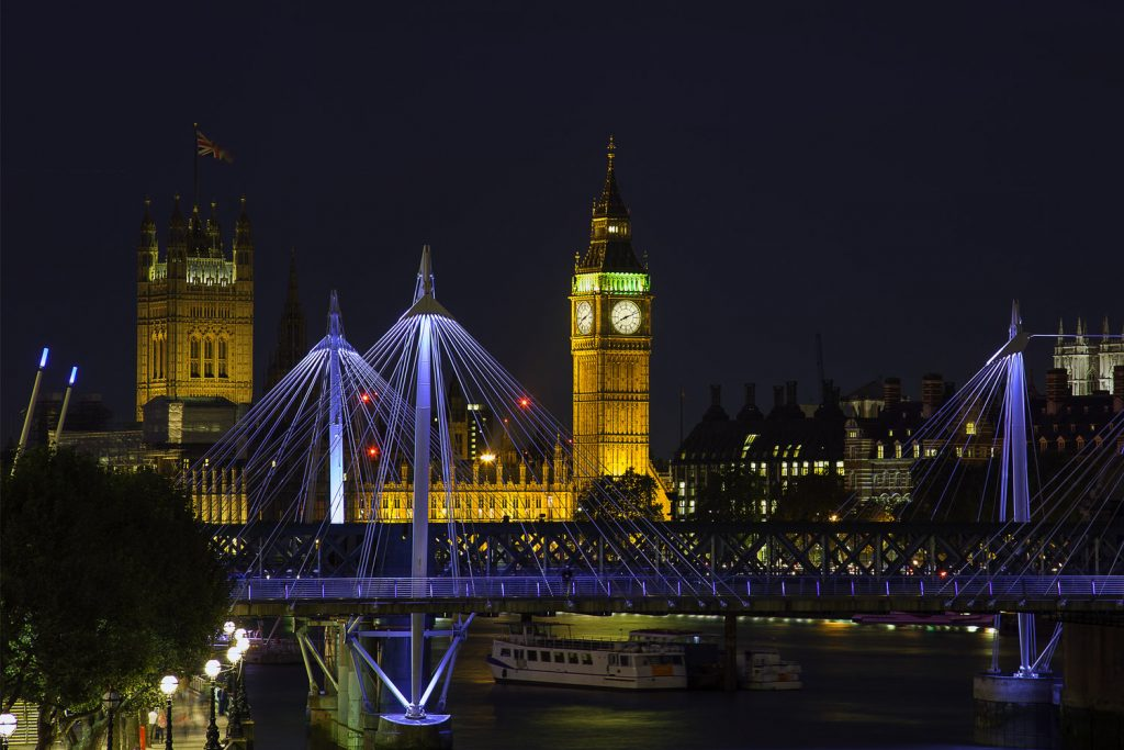 London by night. photo by Antoine Buchet